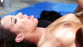 Beating dark-haired is enjoying a penetration in her anus
